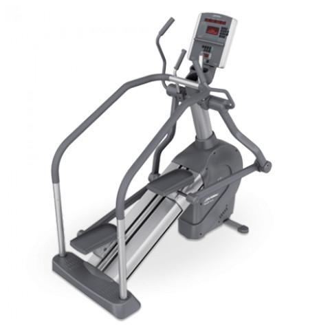 Life Fitness Summit Trainer 95Li used  BBLFST95LI